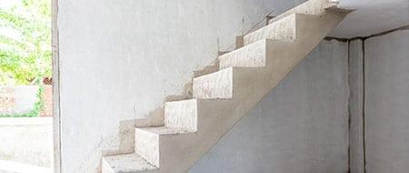Laat uw nieuwe trap maken en plaatsen lage prijzen for Stalen trap maken